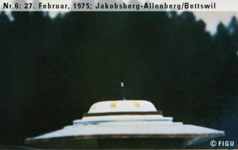 1975年02月27日_P0006#_拍摄于:Jakobsberg-Allenberg, Bettswil_Semjase的光船降落在地面上