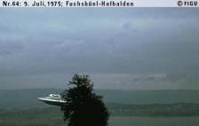 1975年07月09日_P0064#_拍摄于:Fuchsbüel-Hofhalden_Semjase驾驶她的光船围绕一颗14米高的Wettertanne飞行