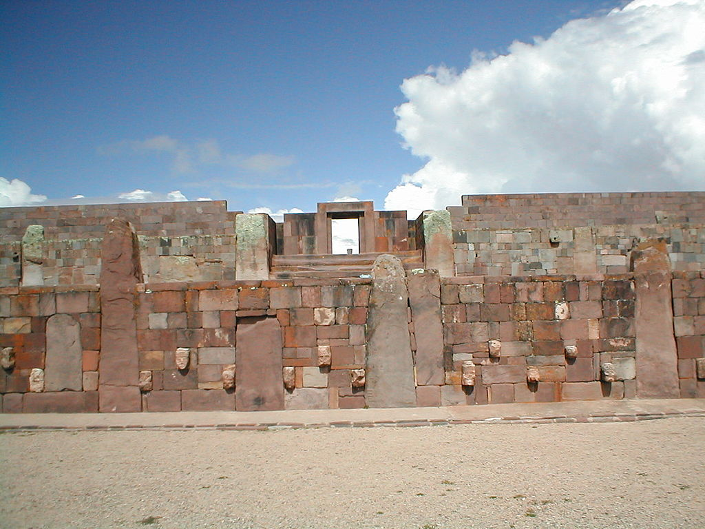 069-03-1024px-Inkas_ruines_-Tiwanaku_-_Bolivia