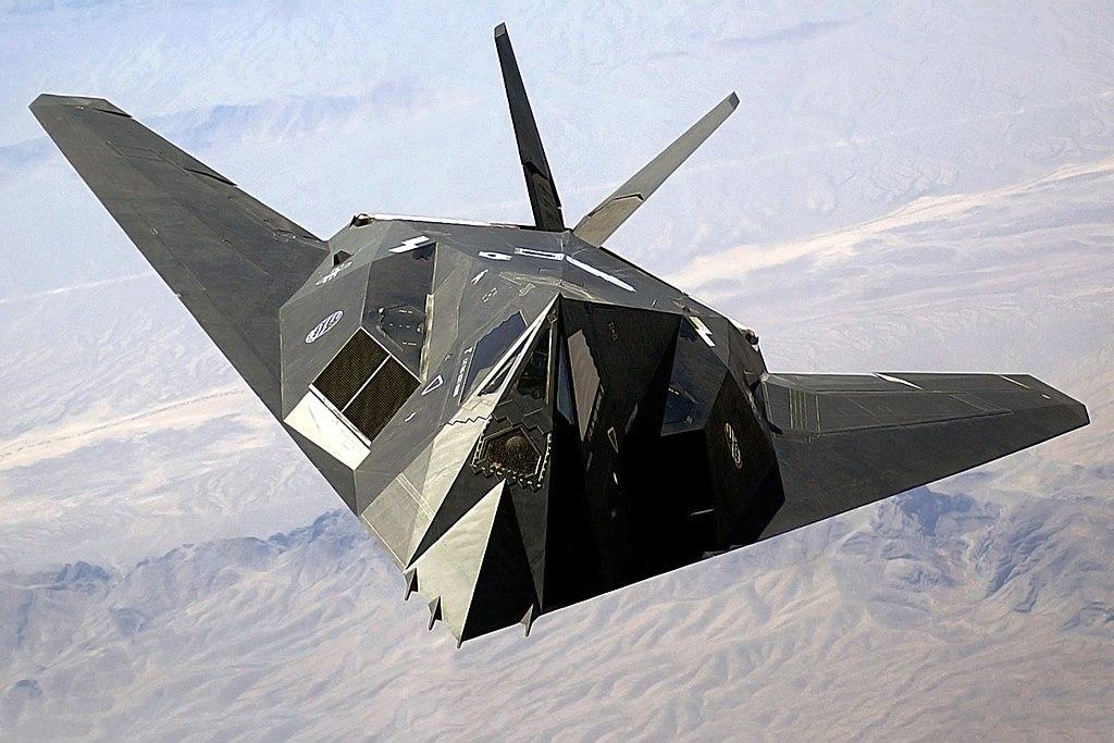 757-01-1024px-F-117_Nighthawk_Front
